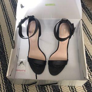 Also heel strap high heels